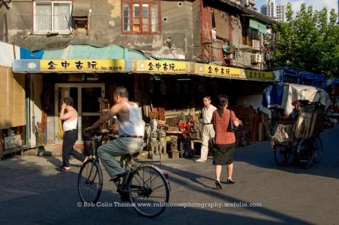 Dongtai Lu Antique Market, Shanghai, China