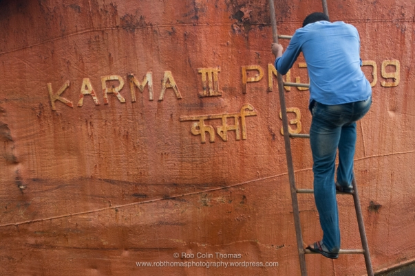 © Rob Colin Thomas @robthomasphotography 'Karma III' - Killa Shahbaj Boatyard