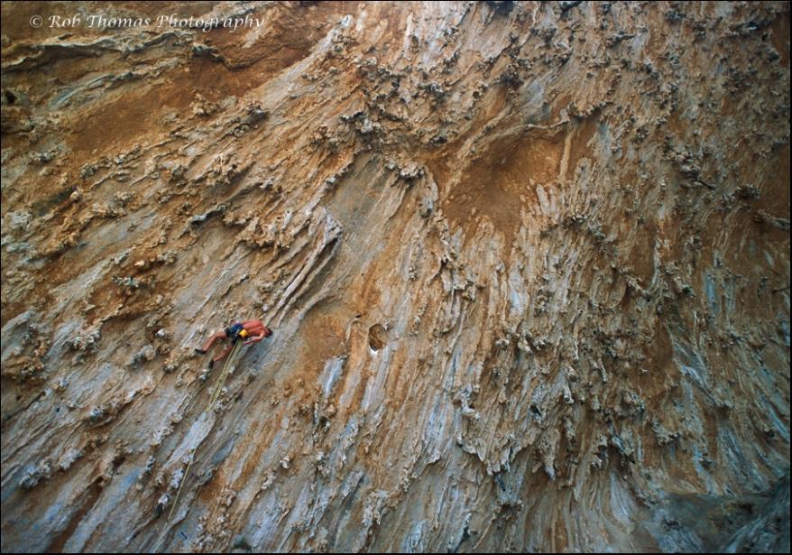 Climbing-3-Grande-Grotte-Kalymnos-Greece